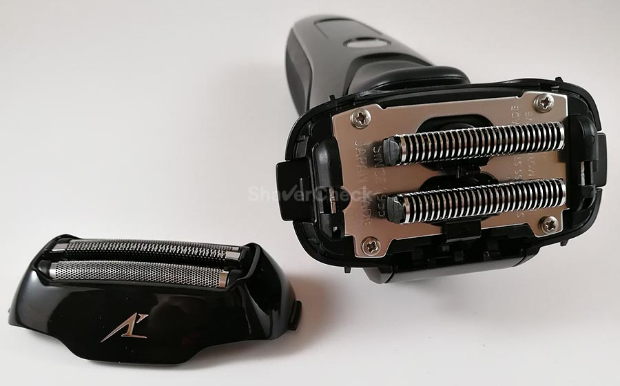 The inner blades of the Panasonic ES-LT3N-K Arc 3 can be separated from the foil block.