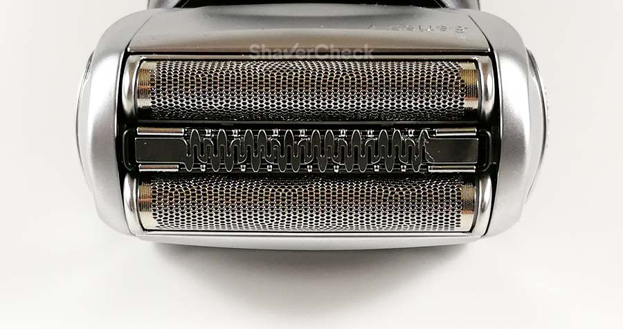 Braun Series 7 790cc shaving head closeup.
