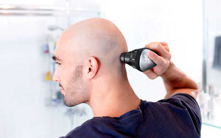Using the Philips Norelco QC5580/40 foil shaver attachment.