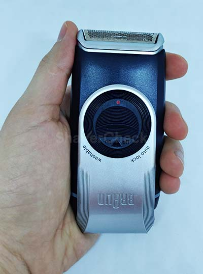 Braun M90 held in hand