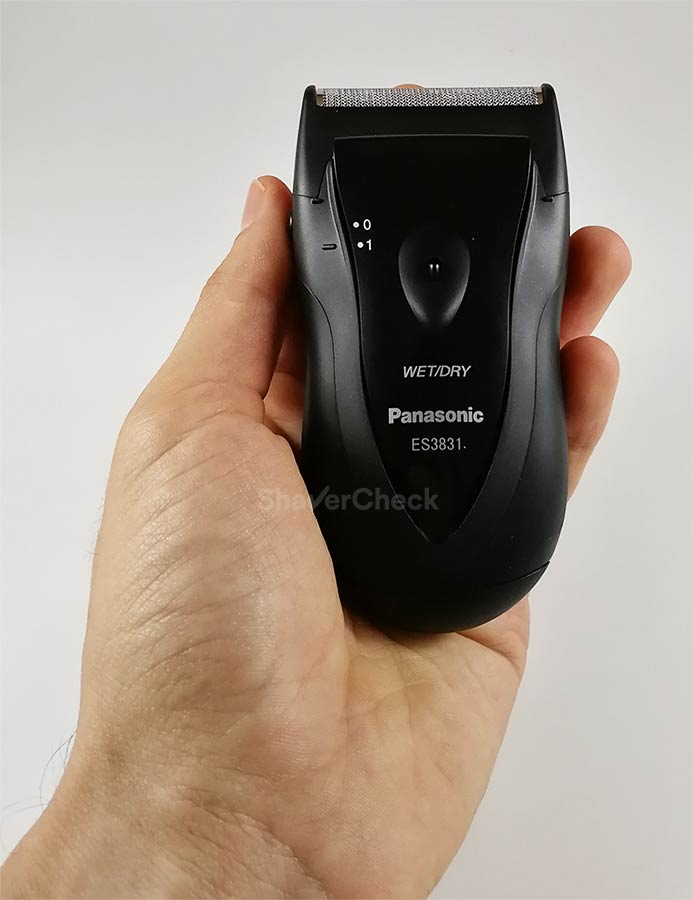Panasonic ES3831K is a very ergonomic shaver