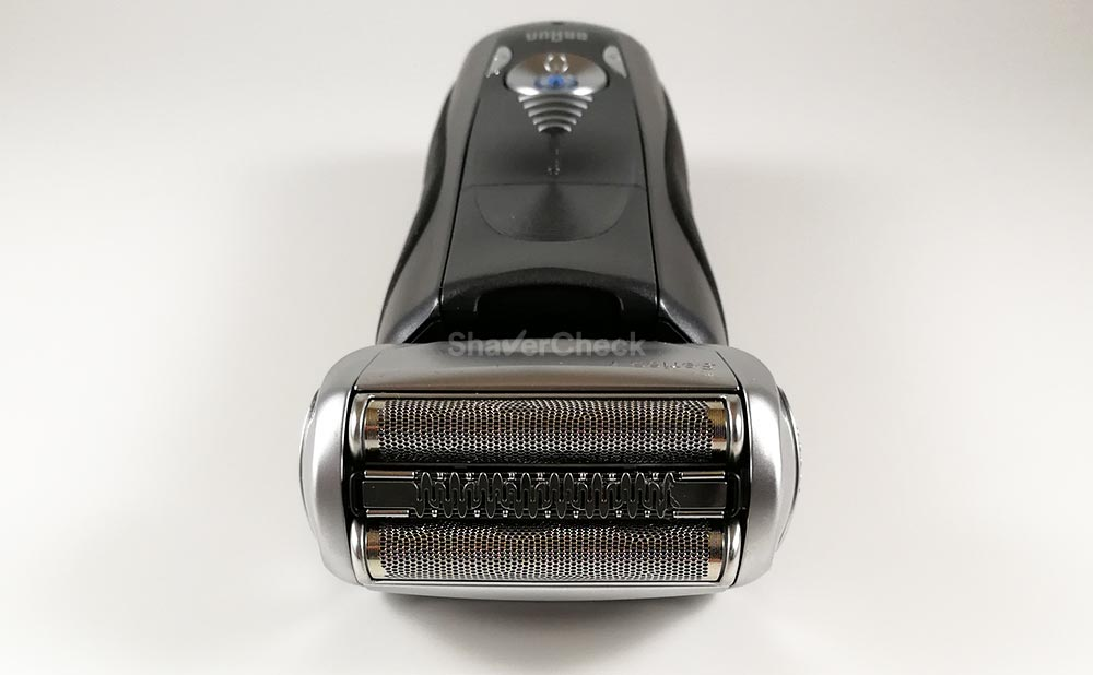 The shaving head of a Braun Series 7.