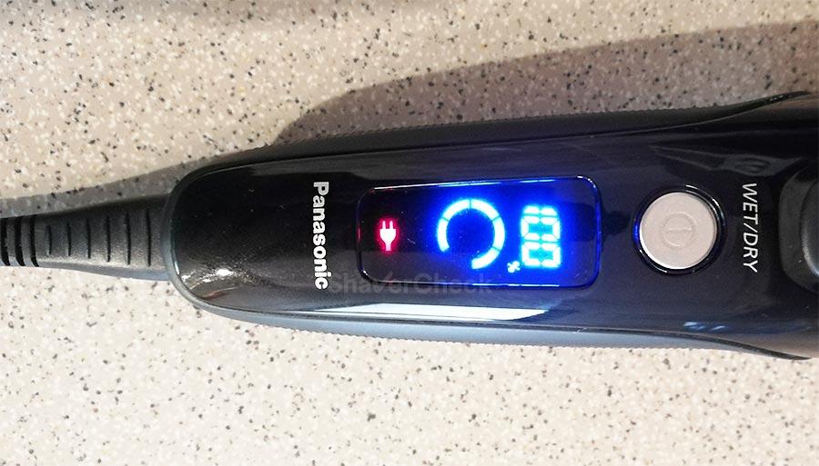 Charging the Panasonic ES-LT3N-K