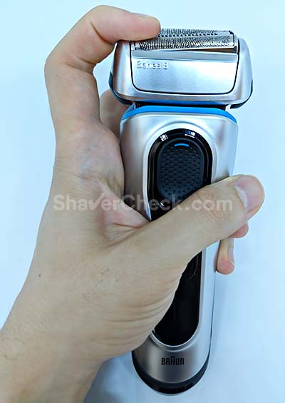 The three shaving element can move independently.