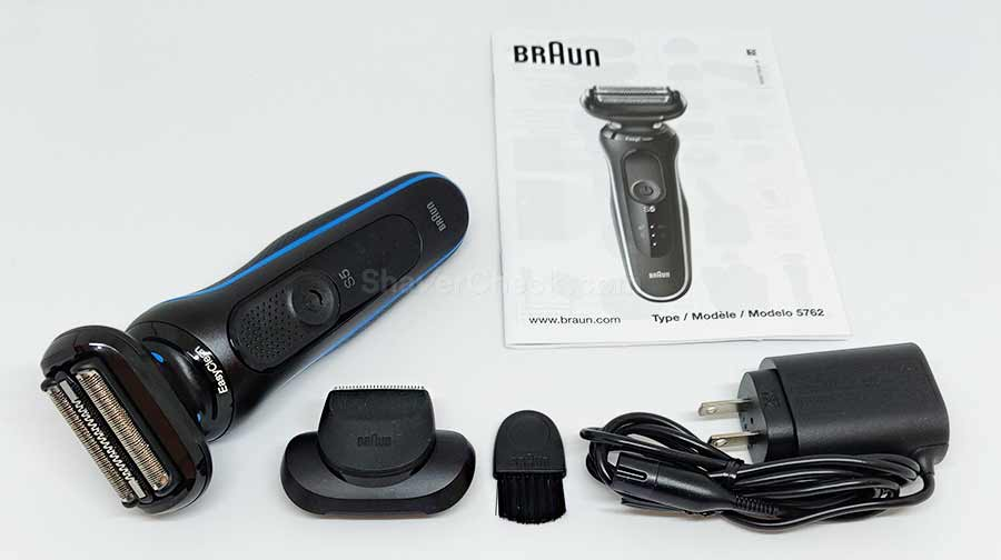 The accessories included with the Braun Series 5 5018s.