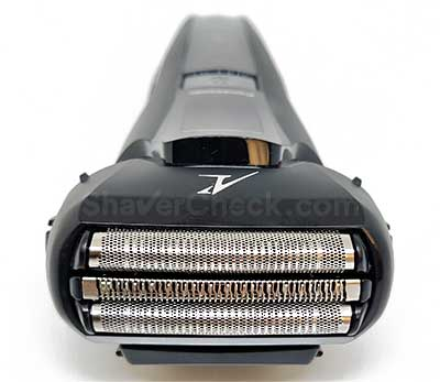 The 3-blade shaving head of the Panasonic ES-LL41-K.
